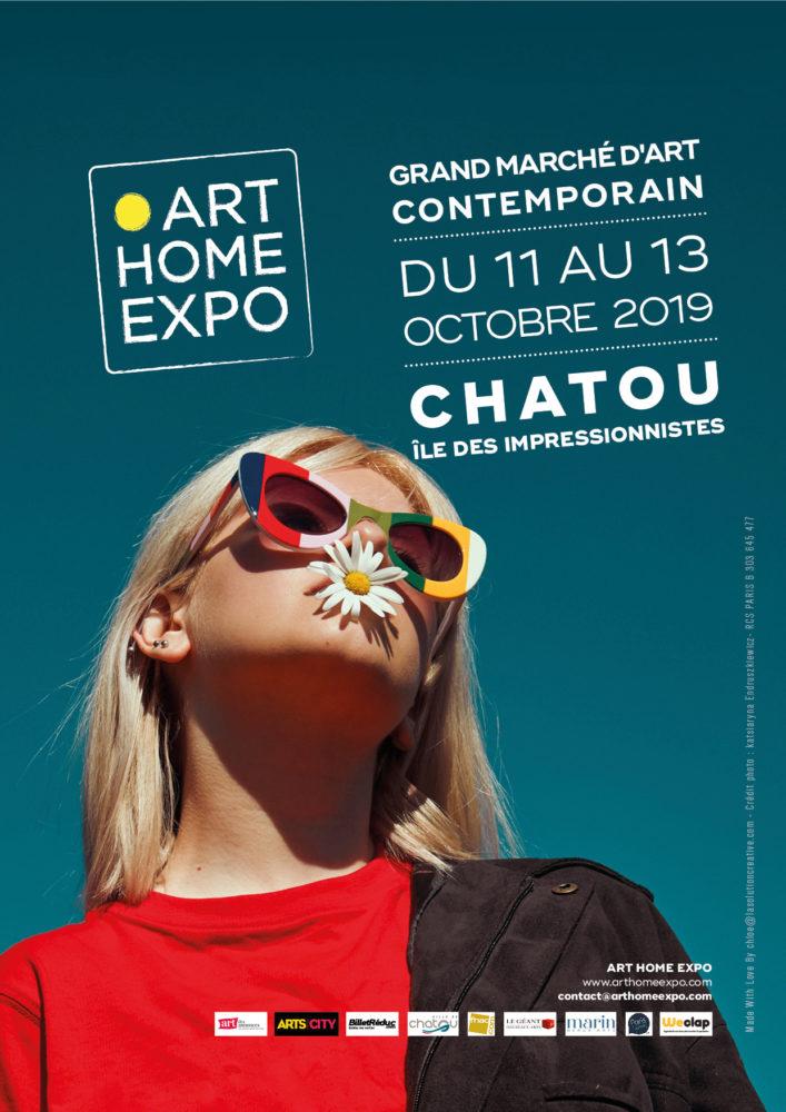Exposition au salon d'art contemporain.